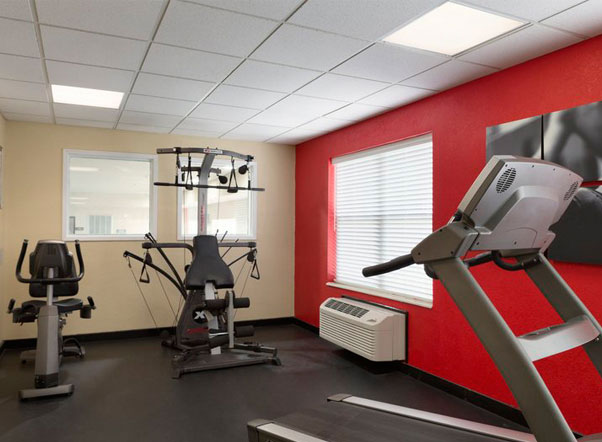 Country Inn & Suites Georgetown Fitness Room